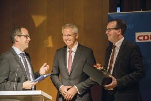Michael Stanke und Christian Wendel danken Dr. Stefan Schulte