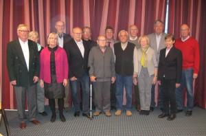 Gruppenbild des neu gewählten Vorstands. Fünfter vorn von links ist Vorsitzender Peter Licht.